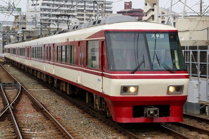 1280px-Nishi-Nippon_Railroad_-_Series_8000_-_01