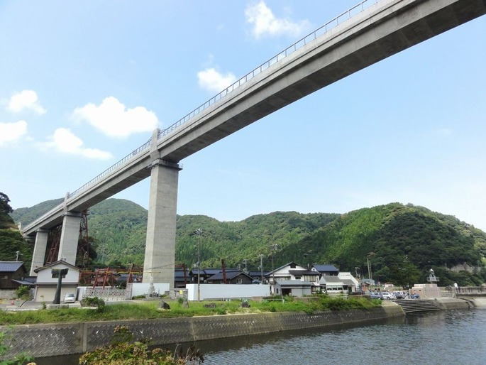 Amarube_bridge_20110812