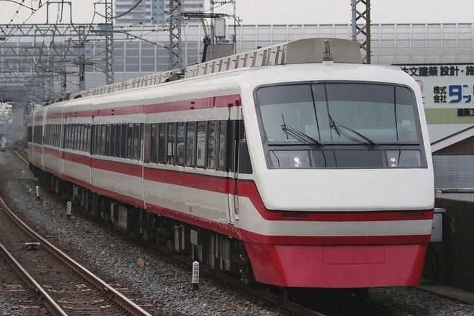 1280px-Tobu_200_Series_(ryomo)