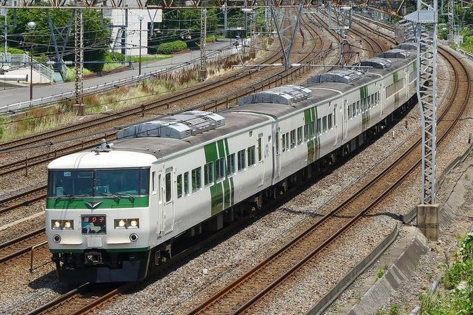 Series185-OM08_Tokaido-Line