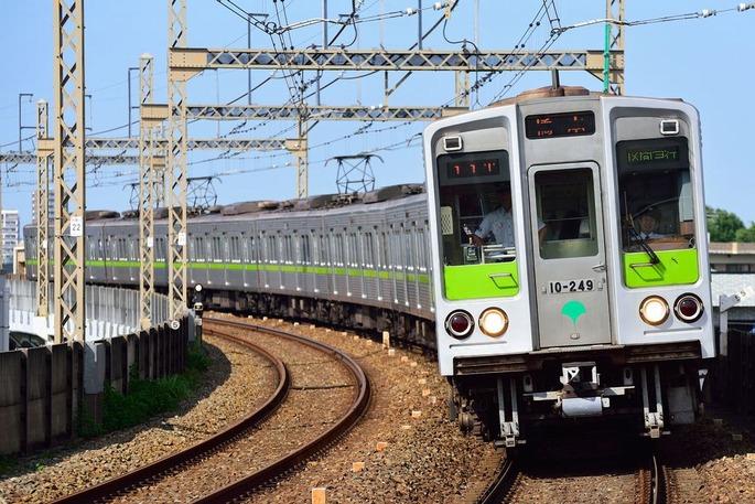 Toei_Subway_10-000_series_6th-batch_set_20170529