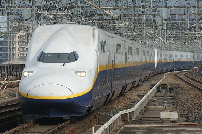 JR_East_Shinkansen_E4
