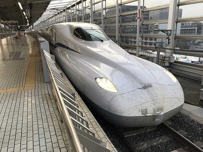 800px-JR_Central_N700S_Front_Kyoto_20170727