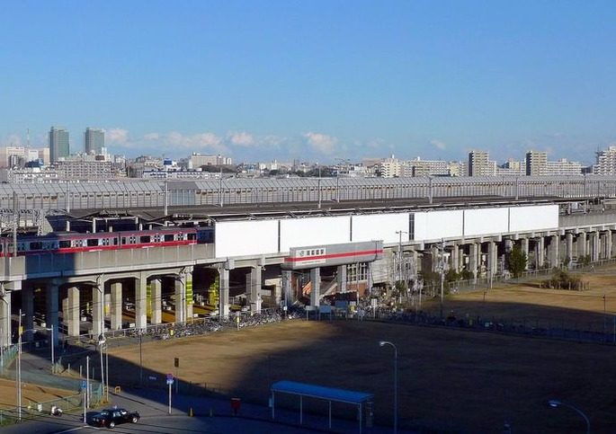1280px-Minami-Funabashi_Station_south_side(cropped)