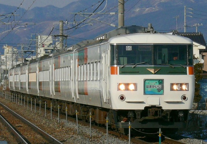 JR_East_Limited_Express_Hamakaiji