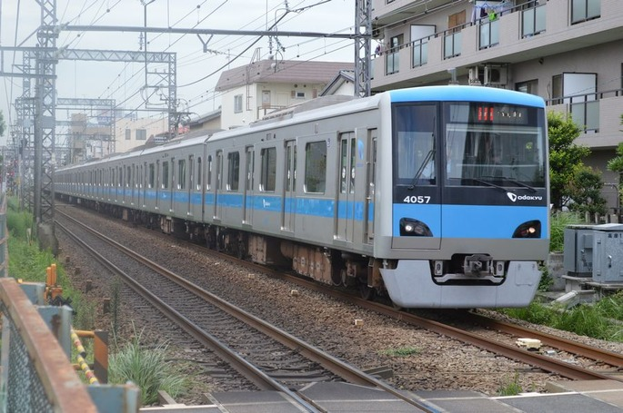 Odakyu_4057,_Enoshima_Line