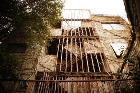 五色町の廃屋