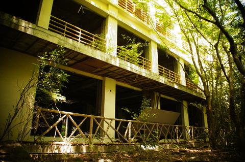 笠置観光ホテル(1階)