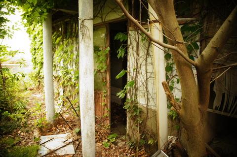 岬荘(空地側の棟1階)