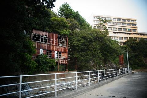 新和歌浦プレハブ廃墟002