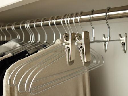 我が家で使っているハンガーは無印のアルミ洗濯用ハンガーですがこれにボトムハンガーが加わってました。