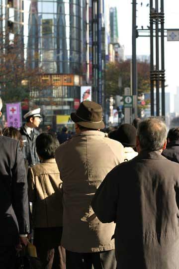 銀座、年末ジャンボ宝くじ、2004-12-03-003.jpg