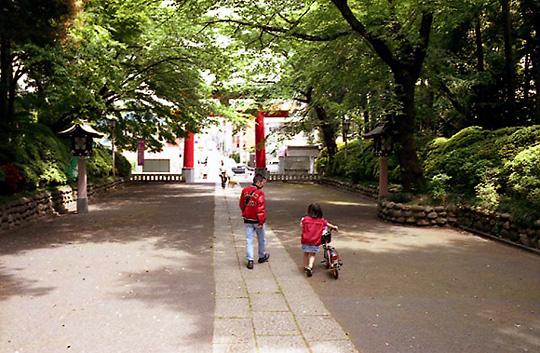 2002-04-27-001.jpg、杉並区大宮八幡宮