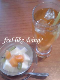 杏仁豆腐と冷ジャスミン茶