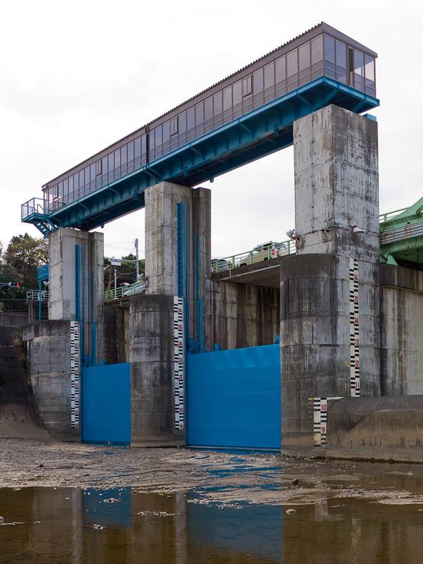 Kanogawa Drainage Canal Separating Weir 2