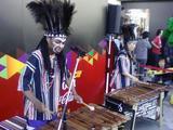ンコシさん、原宿にて演奏