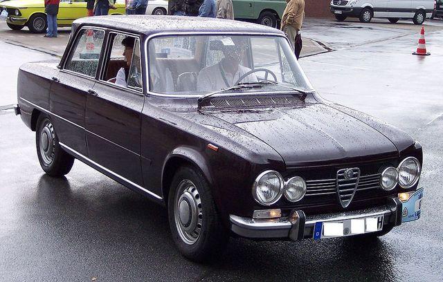 1024px-Alfa_Romeo_Giulia_1300_TI_vr