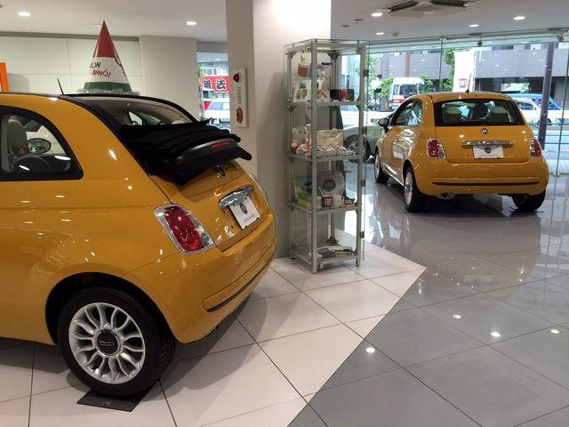 「黄」になるに2台、揃い踏み!