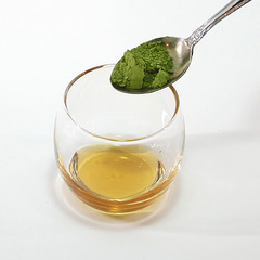 お客様おすすめアレンジ「粉末緑茶×はちみつ」