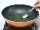 フライパンを使った煎茶の消臭方法3