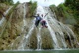 マロロの滝 Malojloj Falls