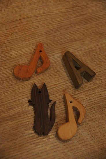 木のペンダント