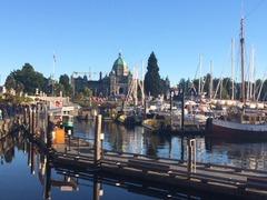 Parliament_Harbor