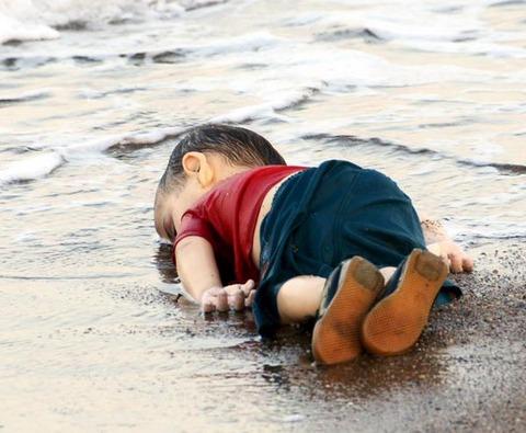 難民 男児