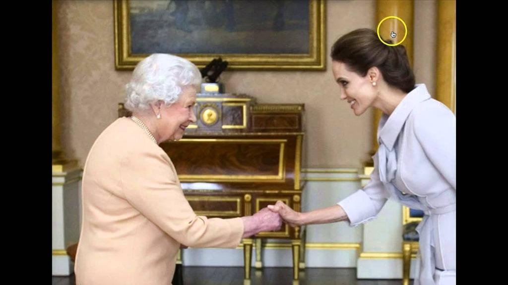 Angelina&Elizabeth2
