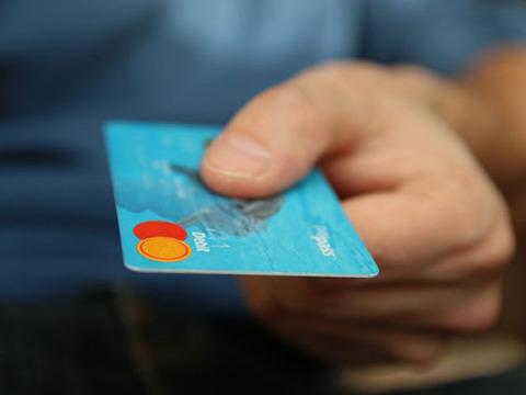 クレジット支払い