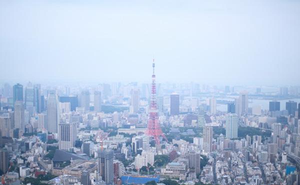 日本企業「本社を東京に置かないと仕事にならない!!」←これ