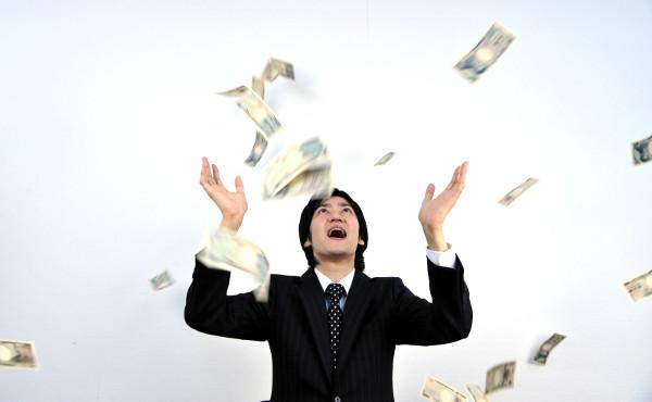 年収1000万達成するには毎月100万近く稼がないといけない現実