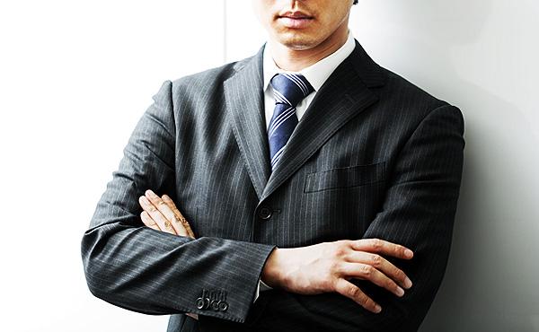 優秀な人材って中堅企業に固まるよな