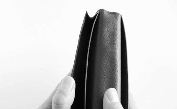 消費者心理、40歳で明暗…40~50代の賃金の伸び悩みで中高年の財布のひも堅く