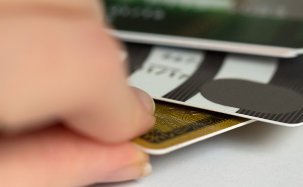 初めてのクレジットカードに自信ニキ来てくれ