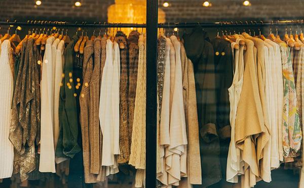 ZOZOTOWN前澤社長、Twitterで、お店で売られてる一万円の服の原価は二千円ぐらいと発言