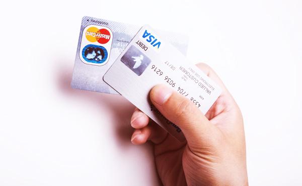 クレジットカードの利用可能枠を貯金だと思ってる奴wwww