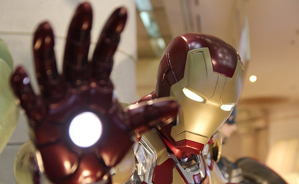 「空飛ぶスーツ」、英百貨店が5千万円で発売 飛び方レッスン付き 重さ約27キロ、時速51キロ アイアンマンそっくりと話題0