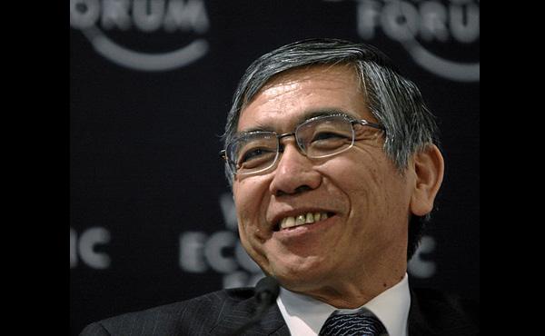 日銀総裁、黒田氏が続投へ