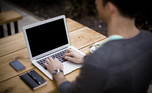 ブログ始めて2ヶ月で40万くらい稼いだけど質問ある?