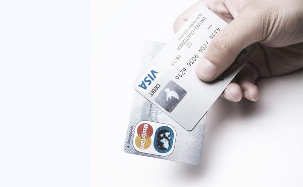 【悲報】ワイ、うっかりクレジットカード使用料が10万円を超えてしまう