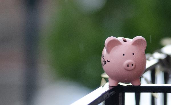 【画像】年代別の貯金0の世帯数、やばすぎるw