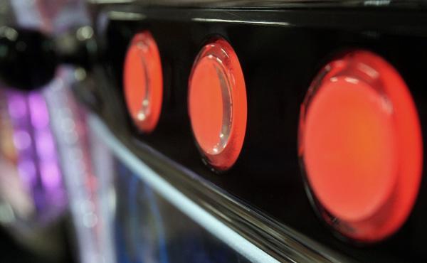 ワオギャンブル依存症フリーター、5スロで9000円負けて涙目敗走…
