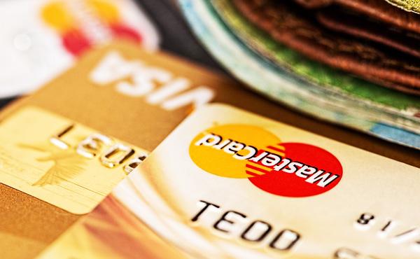 三大ステータス「クレジットカード」と「腕時計」とあと一つは?