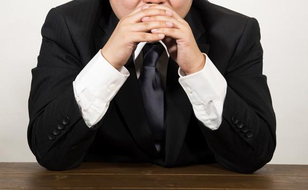 うちの会社の優秀な奴が退職願を出してきた。辞めさせないようにするにはどうすればいい?