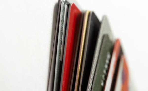 銀行のクレジットカードの審査って何日くらい掛かるの?