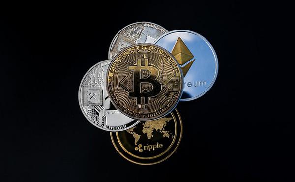 仮想通貨って創始者が金巻き上げるシステムだよな