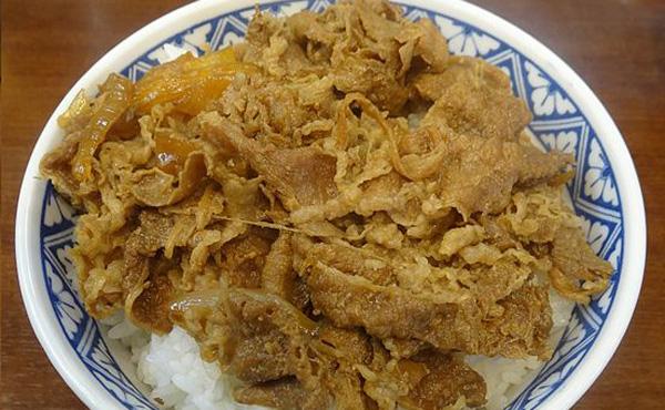 俺の昼飯は380円の牛丼、嫁は3000円のランチ