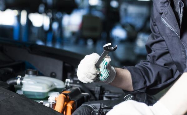 【画像】ボロボロの車を30万で買う ⇒ 30万で修理して売った結果wwwww