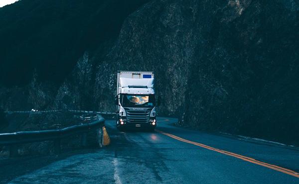 ぼくトラックの運転手、手取りが50万を超える